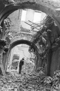 Rebuilding_of_Warsaw_(1945)